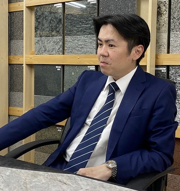 安藤大理石社長の写真